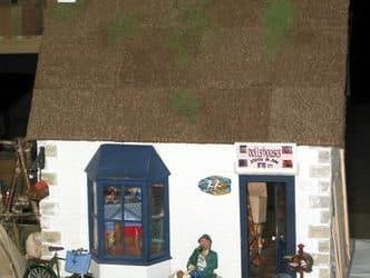 La fabrique artisanale de maisons de poupées d'Alice